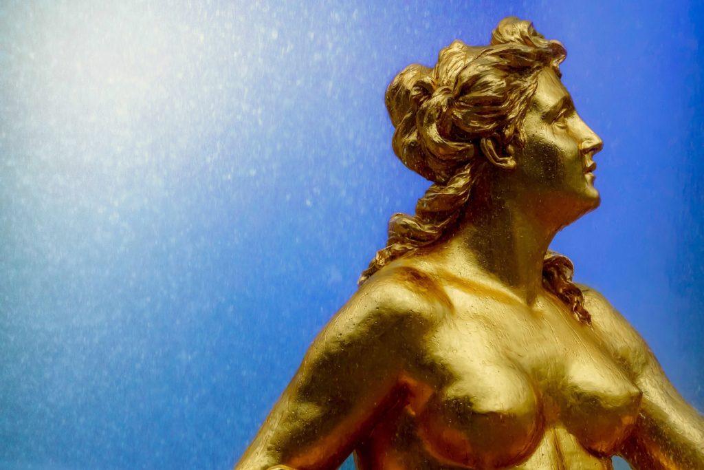 A golden statue of Venus